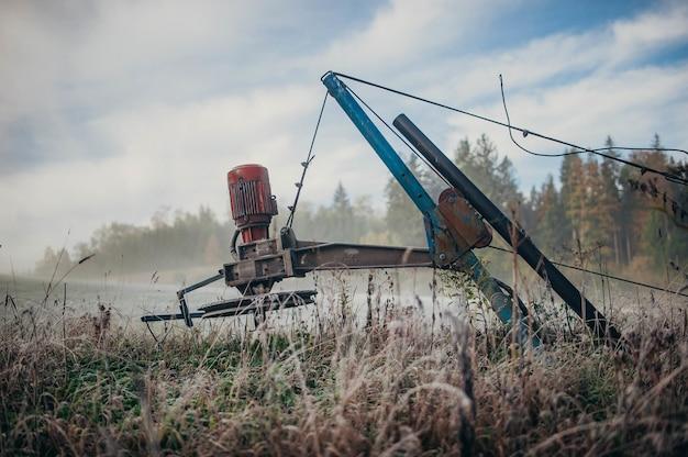 畑の農業収穫機