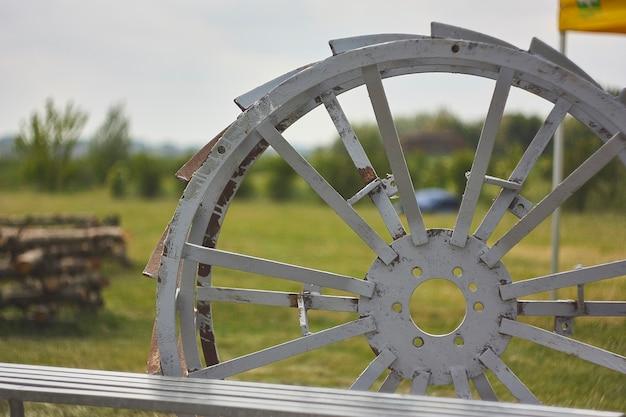 농업용 트랙터 케이지: 육지의 다양한 농업 작업에 적합한 도구입니다.