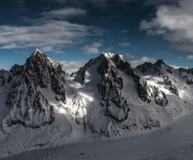Aguilles de chardonnay and argentiere, tour noir 및 mont dolent