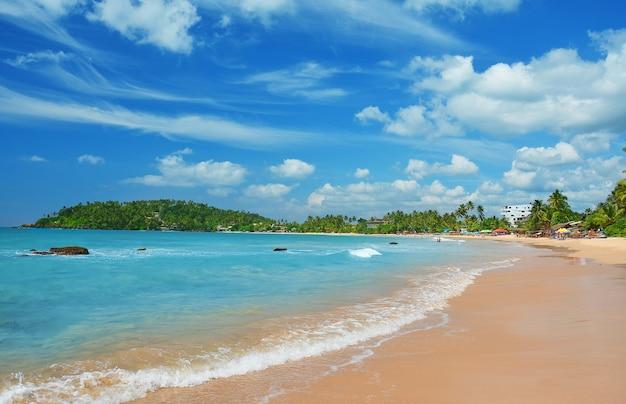 Пляж ахангама на шри-ланке