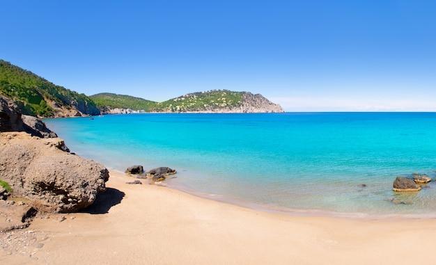 Пляж aiguas blanques agua blanca ibiza