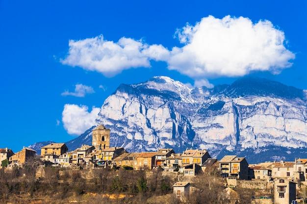 アインサ-スペイン、アラゴン山脈の本格的な山間の村