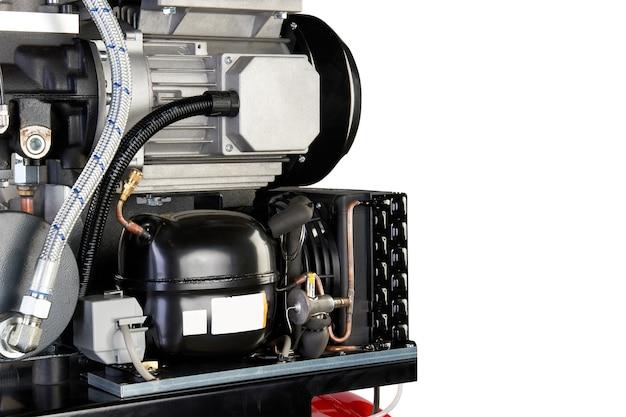 エアコンプレッサ。プロの機器とツール。産業用電化製品。孤立した背景。