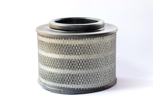 Воздушные фильтры для дизельных автомобилей, изолированные на белом фоне.