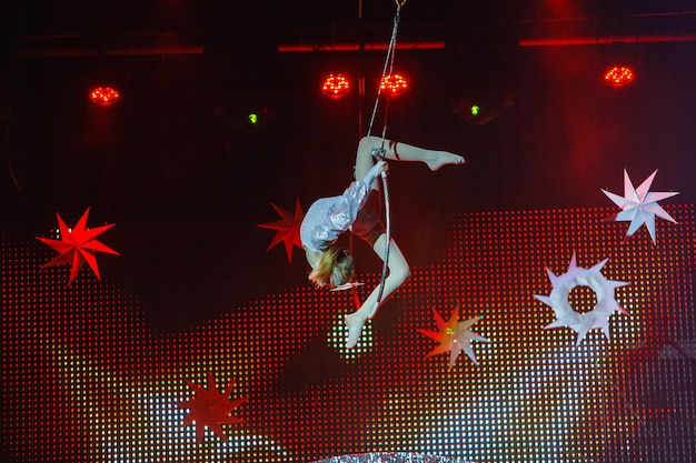 Air gymnast performances in the circus.
