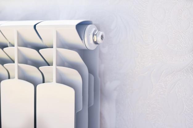 Клапан выпуска воздуха от бытовых аккумуляторов .. фото высокого качества