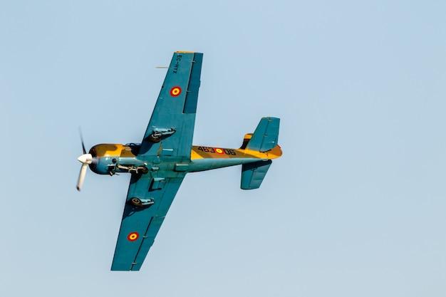 Aircraft yakolev  salva ballesta aeroplane