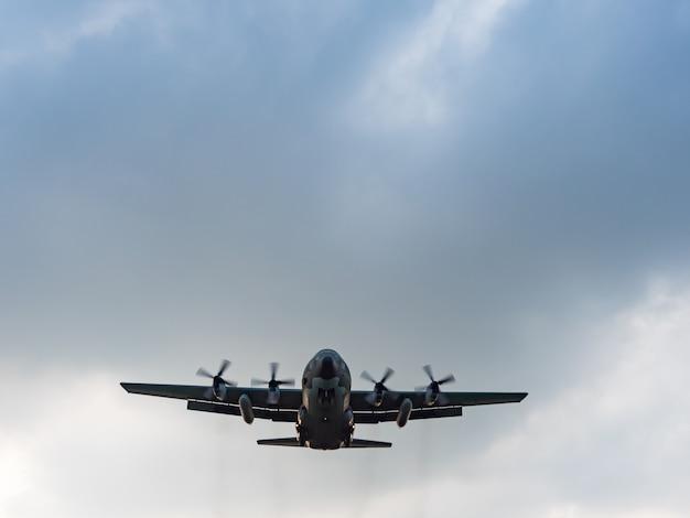 Airplane landing in taipei, taiwan.