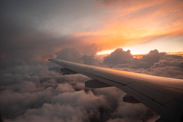 일몰 푼타 카나 도미니카 공화국 2월에서 비행기 보기