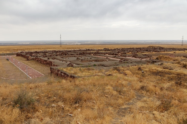 アクルタスパレスコンプレックス。建築と考古学の複合体アクルタス。カザフスタン
