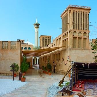 Квартал аль фахиди в старом дубае, объединенные арабские эмираты (оаэ)