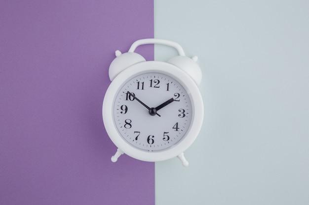 화려한 알람 시계입니다. 평면도.