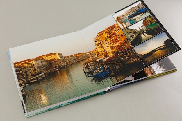 旅行やヴィンテージの写真付きアルバム、フォトブック