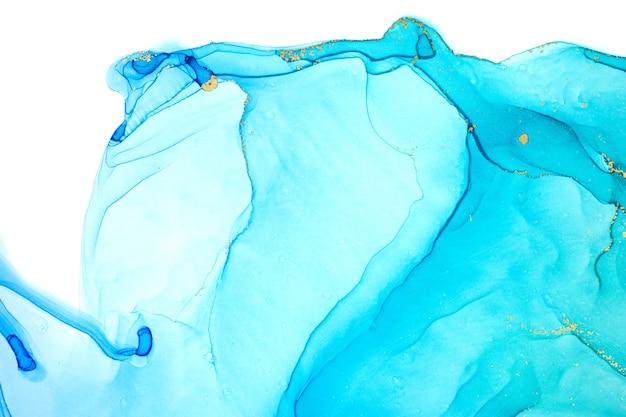 Спиртовые чернила синие прозрачные капли чернил, изолированные на белом фоне