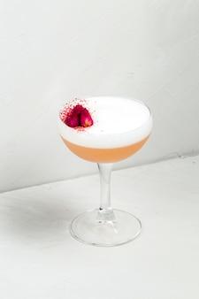 Alcohol sweet sour foam cocktail flower