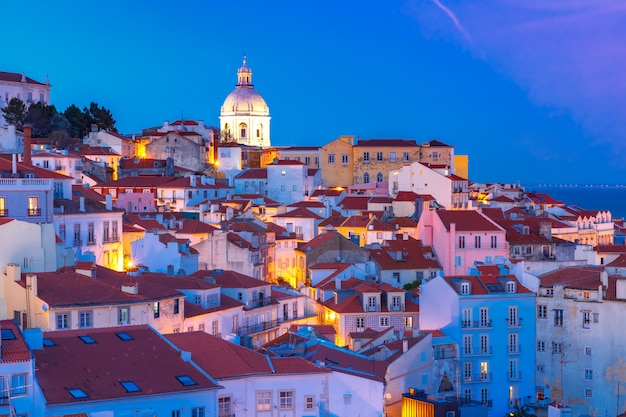 Alfama ночью, лиссабон, португалия