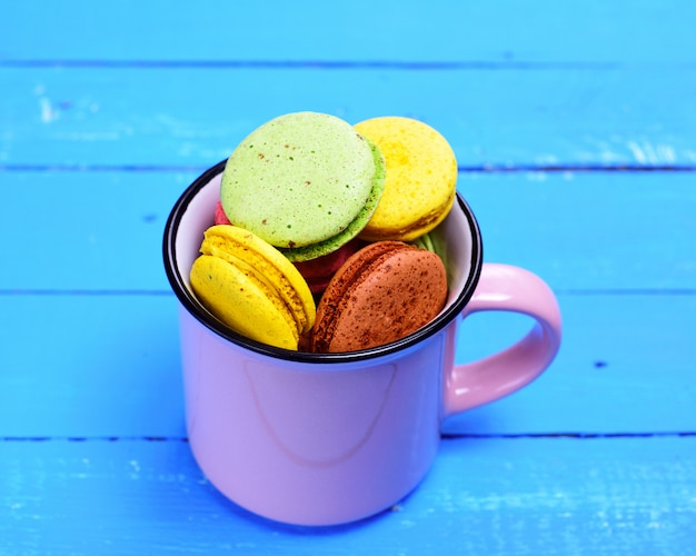 Almond biscuit in a mug