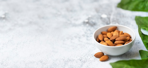 Миндальный орех витамин копия пространства баннер фото