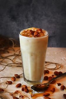 Almond shake