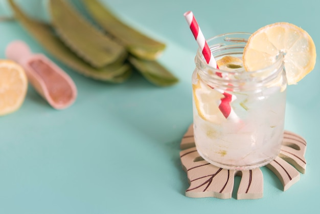 Алоэ вера и лимонный сок