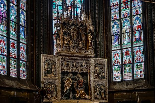 Алтарь в соборе святого вита в праге
