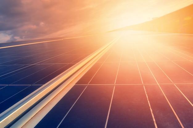 대체 에너지 세계의 에너지를 절약하기 위해 (하늘의 태양 전지판)