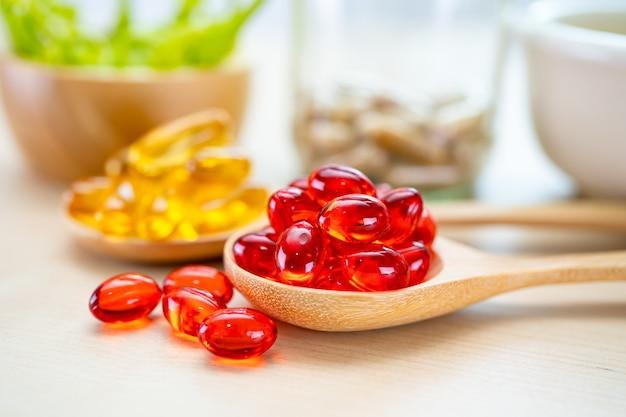 Alternative medicine herbal organic capsule with vitamin e omega 3 fish oil