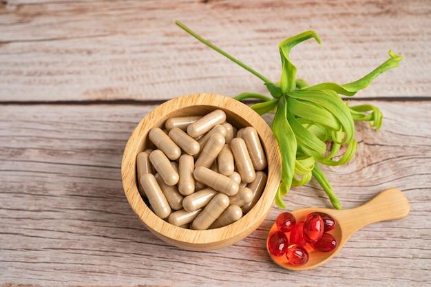 허브 잎 대체 의학 자연 허브 유기농 캡슐 약물