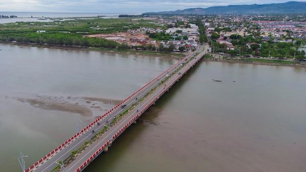 Мост алу-нага в городе банда-ачех