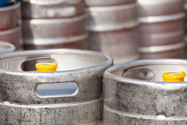 알루미늄 배럴 맥주 통 무료 사진