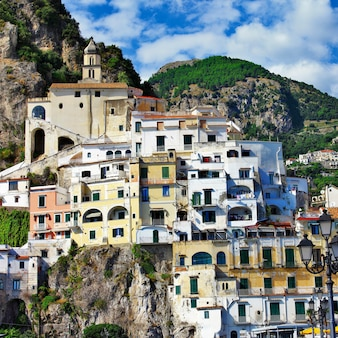 Амальфи, живописный прибрежный город италии.