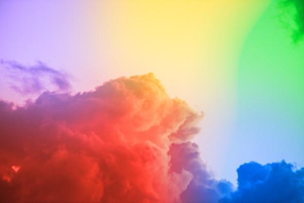 カラフルな雲と素晴らしい美しいアートの空 無料写真