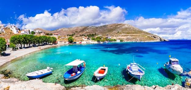 Удивительная греция остров калимнос очаровательная деревня влихадия и пляж с кристально чистым морем
