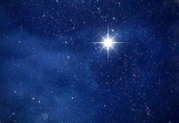 깊은 별이 빛나는 밤하늘의 놀라운 폴라리스, 별이있는 공간