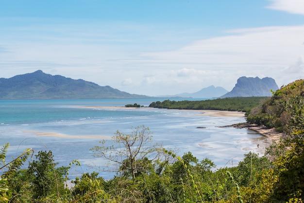 바다 베이와 산 섬, 팔라완, 필리핀 휴일 평온 아름다운 열대 자연의 놀라운 경치를 볼