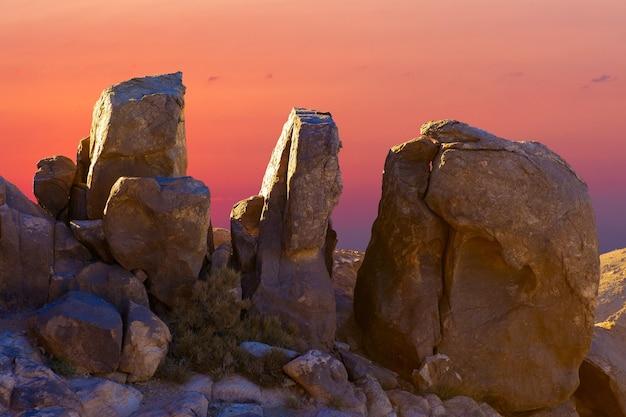 シナイ山の素晴らしい日の出、エジプトの美しい夜明け、山からの美しい景色