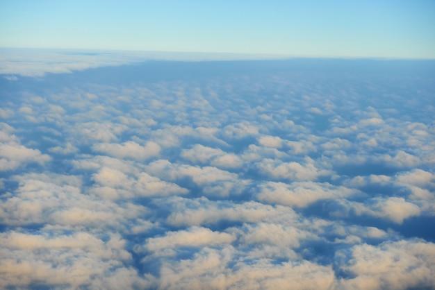 하늘, 일몰 태양과 구름에 비행기에서 놀라운보기