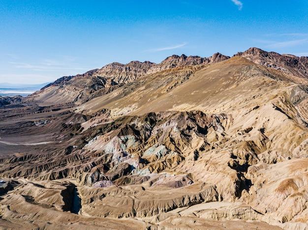 Удивительный вид на красочную палитру художника. национальный парк долина смерти, калифорния, сша.