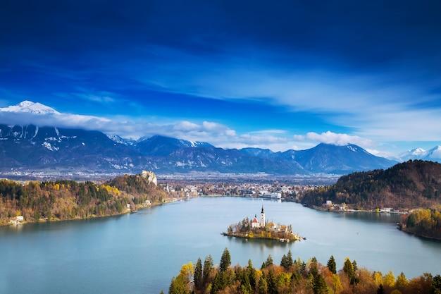 슬로베니아 유럽의 블레드 호수 가을 또는 겨울의 놀라운 전망