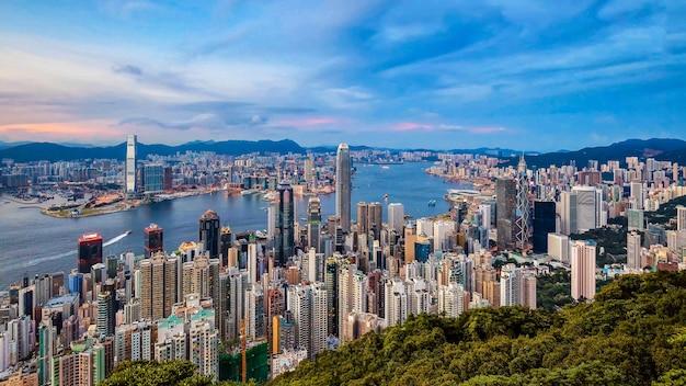 빅토리아 피크, 중국에서 홍콩 도시의 스카이 라인에 놀라운보기