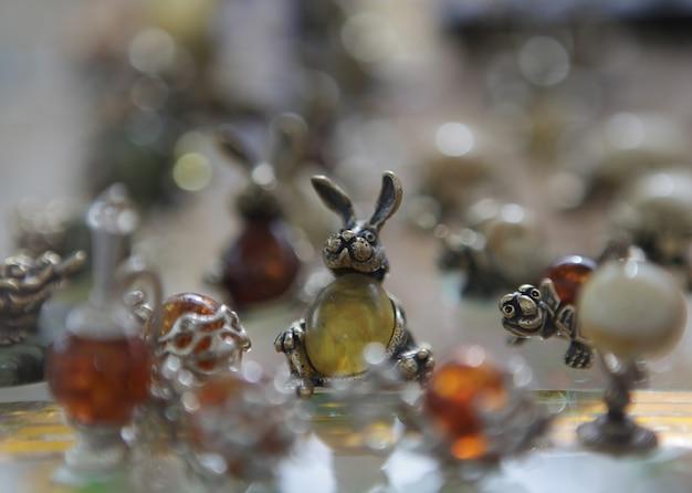琥珀色の宝石