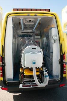Койка скорой помощи готовится к эпидемии эболы или пандемии