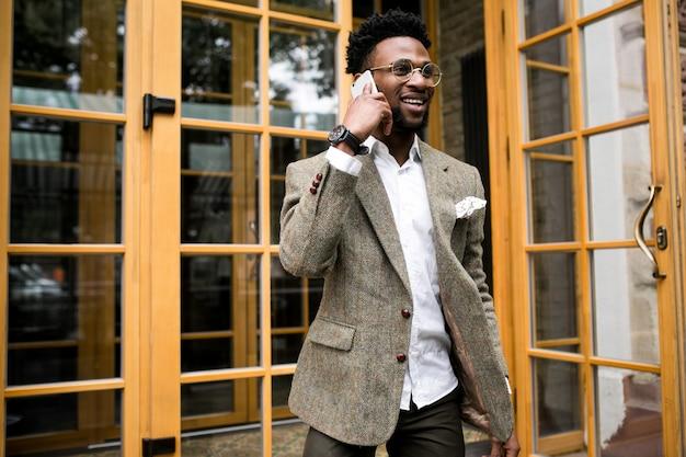 幸せなビジネスごとにアメリカ人のアフリカ人