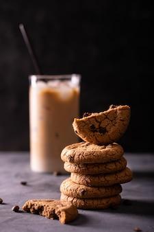 アメリカンチョコレートクッキーとアイスラテ