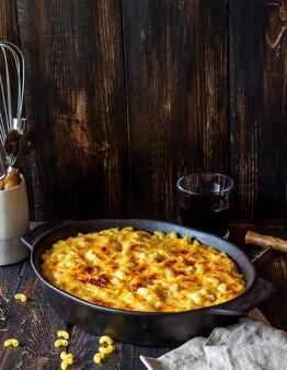 Американское блюдо из макарон и сыра.