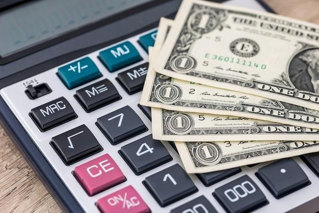 계산기-세금 개념으로 미국 달러
