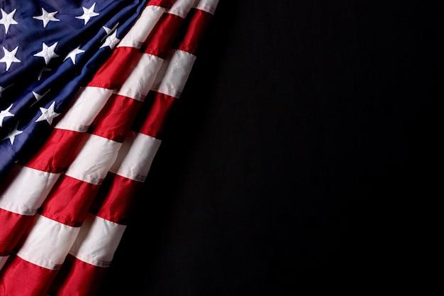 Американский флаг, изолированные на черном