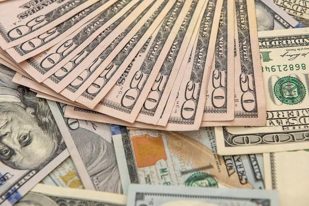 背景、財務概念としてのアメリカの百ドル紙幣