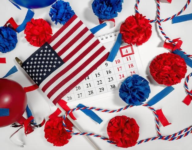 7月4日のアメリカ独立記念日アメリカ合衆国の旗カレンダーの休日の日付