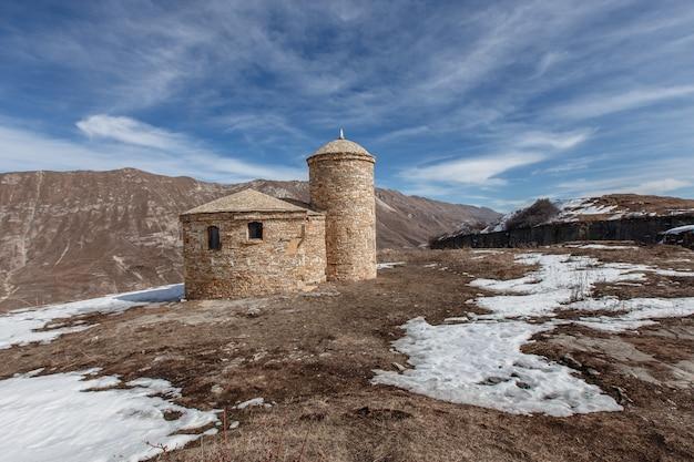 デルベントにある古代アルメニアの教会。ダゲスタン、ロシア
